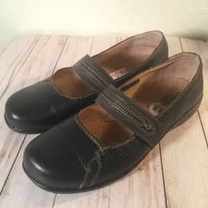 Clarks Black Mary Jane slip on elastic band  shoes